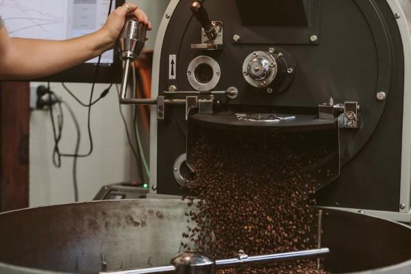 Máy rang cà phê có mang lại lợi nhuận cho doanh nghiệp?